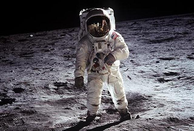 nano-suit Nano-Suits For Future Astronauts (Video)