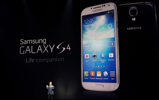 samsung_galaxy_s4_01-640x402 Samsung Galaxy S4 Available Now With AT&T