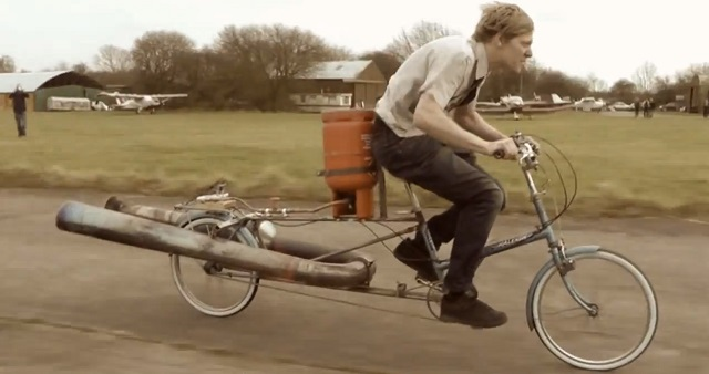 jet-bike Jet-powered Bike Gets Up to 50MPH, Looks Incredibly Unstable [Video]