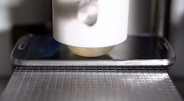 samsung-galaxy-s-4-stress-test Samsung Galaxy S4 Is Pretty Rugged (Video)