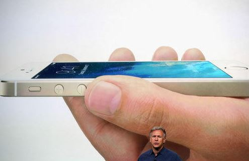 "130910iphone-2 Apple Announces Metallic iPhone 5S and ""Unapologetically Plastic"" iPhone 5C"