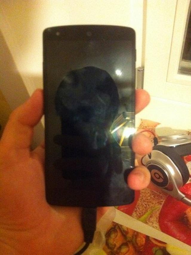nexus-5-leak-2 Nexus 5: Hands-On Pictures And Video