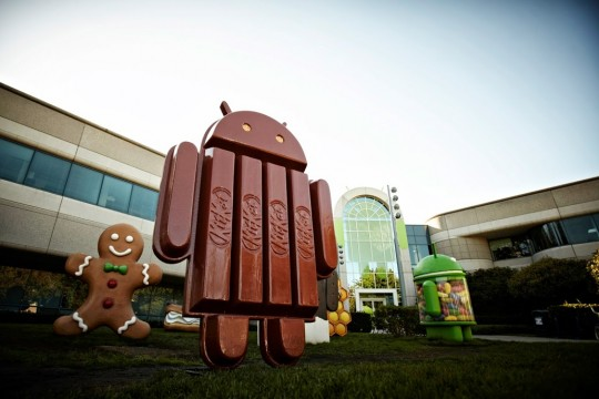 "131113-kitkat Android 4.4 KitKat Coming to Moto X in ""Weeks"""