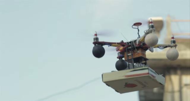 drone-pizza Drone Delivers Pizza In India (Video)