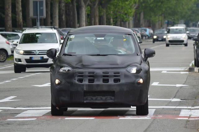 fiat-2015-500x Fiat 2015 500X Spied: Car Based On Jeep Renegade