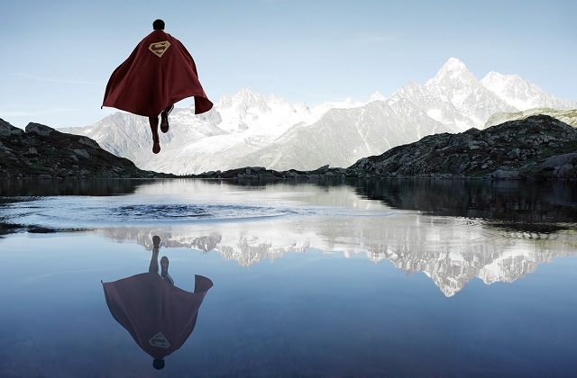 lonely-superheroes Lonely Superheroes (Photos)