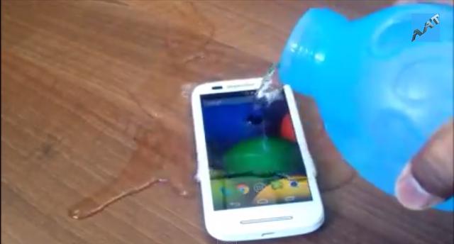 moto-e-drop-water-resistance-scratch-test