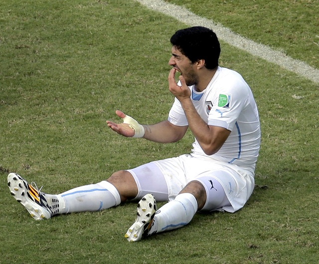 luis-suarez-biting-incident Luis Suarez Thought Giorgio Chiellini Was A Tree (Lol)