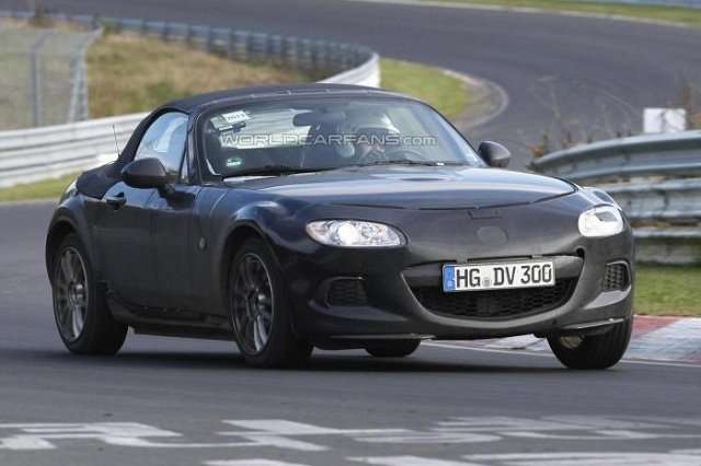 2015-Mazda-MX-5-2016-Alfa-Romeo-Spider-spy 2015 Mazda MX-5 Miata To Be Revealed On September 4