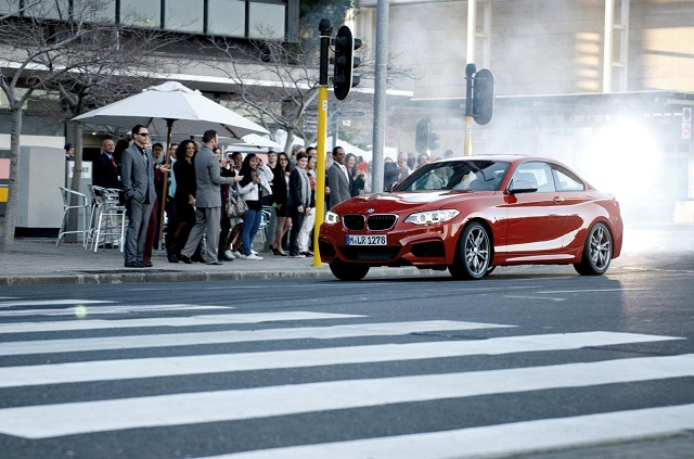 BMW-M235i-Coupe-Drifting-Cape-Town Five BMW M235i Coupe Does Sync Drifting In Cape Town (Video)