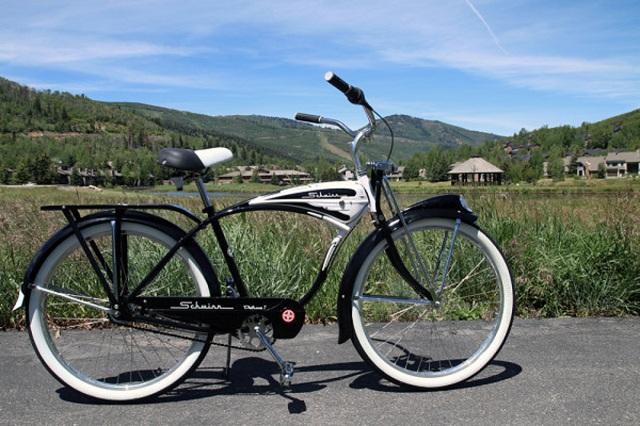 Schwinn-Classic-Deluxe-7 Schwinn Prepares For 120th Anniversary In Retro Style With Its 2015 Range Of Bikes
