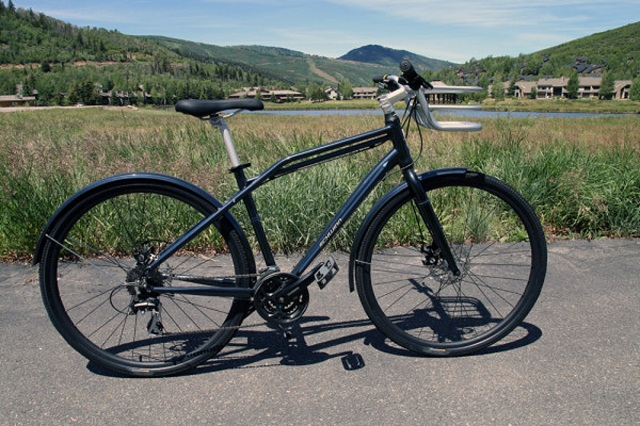 Schwinn-Transit-2 Schwinn Prepares For 120th Anniversary In Retro Style With Its 2015 Range Of Bikes