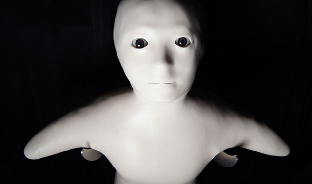 telenoid-Hiroshi-Ishiguro Otonaroid And Kodomoroid: Hiroshi Ishiguro's New Robots For A Tokyo Museum (Video)