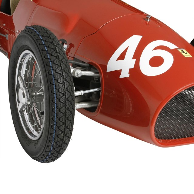 Ferrari-500-F2-handmade-reproduction-model-1-640x640 Ferrari Carbon Fiber Handmade Chess Set Can Be Yours For $2,012