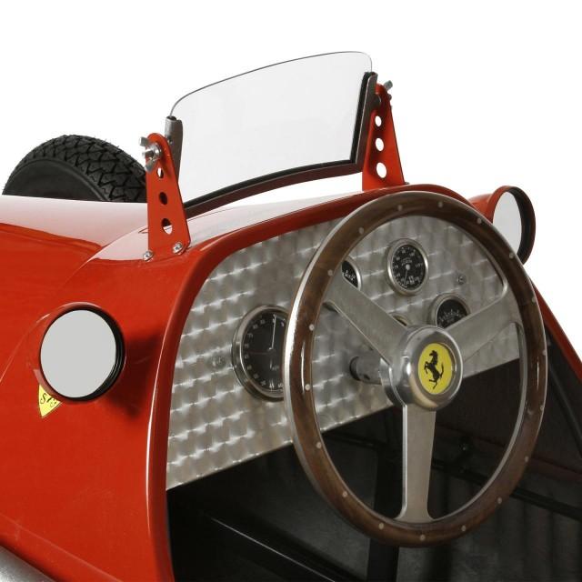 Ferrari-500-F2-handmade-reproduction-model-4-640x640 Ferrari Carbon Fiber Handmade Chess Set Can Be Yours For $2,012