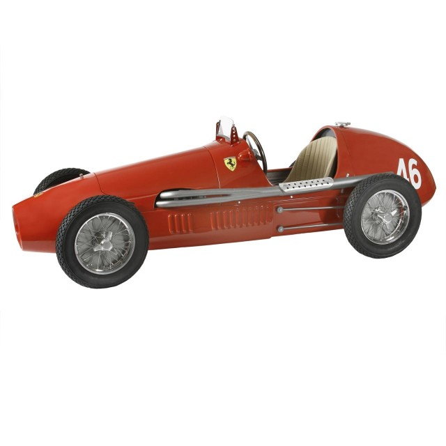 Ferrari-500-F2-handmade-reproduction-model-640x640 Ferrari Carbon Fiber Handmade Chess Set Can Be Yours For $2,012
