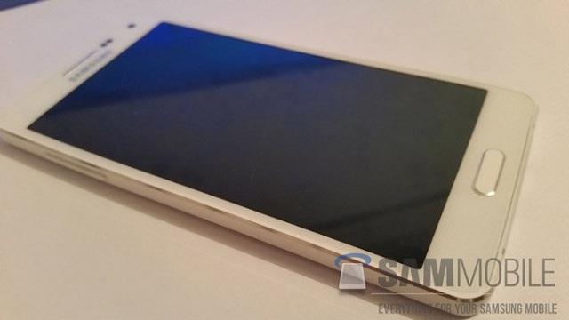 SAMSUNG-GALAXY-A5-SM-A500-4 Samsung Galaxy A5 Reportedly Won't Feature A Full-Metal Body