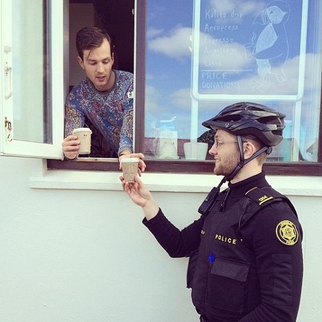 police-instagram-logreglan-reykjavik-iceland-14