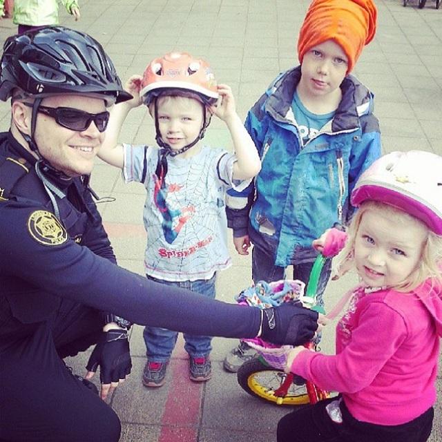 police-instagram-logreglan-reykjavik-iceland-20