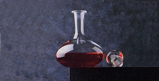 apple-decanter