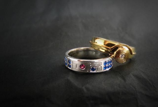 r2-d2-c-3po-star-wars-rings R2-D2 And C-3PO Wedding Rings